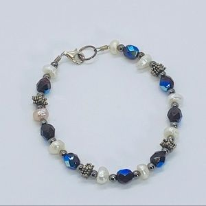 Handcrafted silver pearl glass beaded bracelet